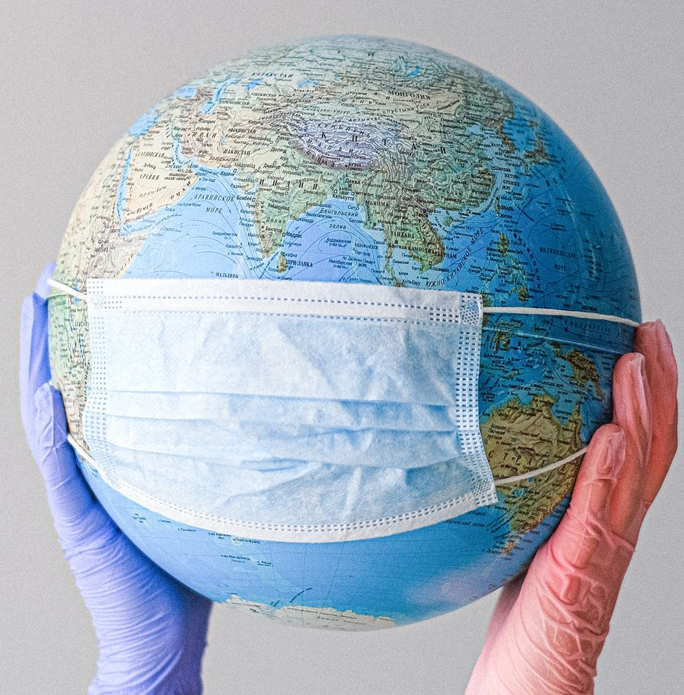 Globus maseczka pandemia